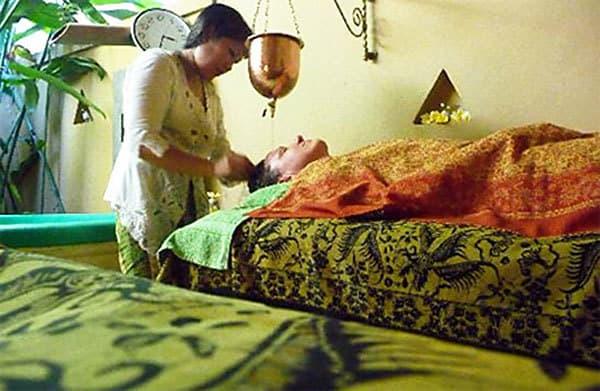Ayurvedic shirodhara