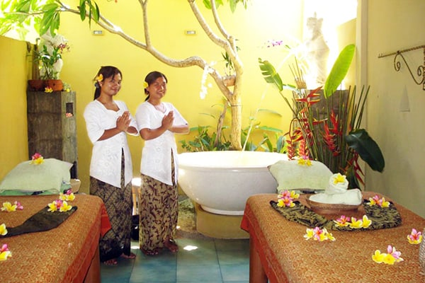 nusa dua massage room